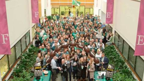 Lincoln Financial Group Employees Cheer on the Philadelphia Eagles (Photo: Business Wire)