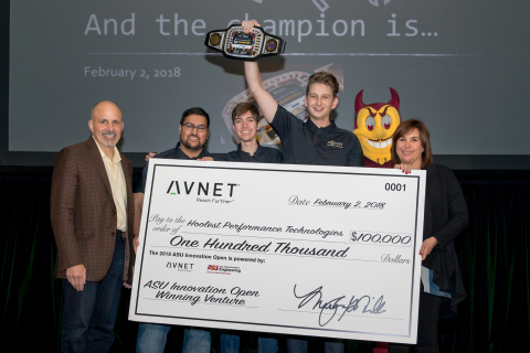 Avnet CEO Bill Amelio and MaryAnn Miller, SVP Global HR & Marketing, present $100,000 prize to students Sami Mian, John Patterson and Nick Hool with Hoolest Performance Technologies for their winning venture at the ASUio Innovation Open. (Photo: Business Wire)