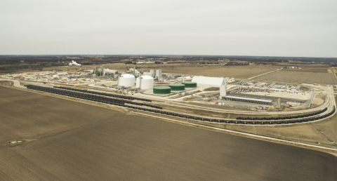 BNSF customers, including Iowa Fertilizer Company, invested nearly $7.7 billion in 2017 for new or expanded facilities. (Photo: Business Wire)