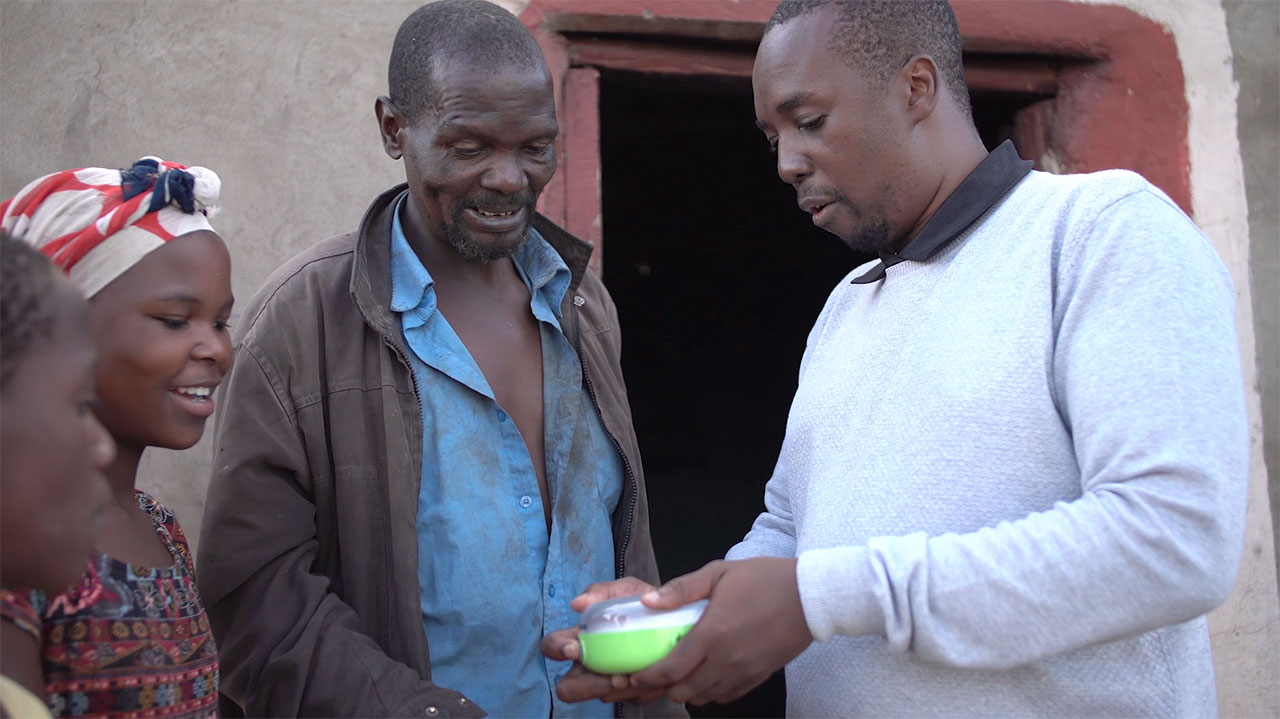 Panasonic Donates Solar Lanterns to South Africa, Swaziland, and Lesotho
