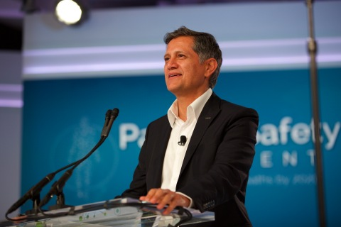 Joe Kiani, Founder and Chairman of the Patient Safety Movement Foundation, speaks at the 2017 World Patient Safety, Science & Technology Summit (Photo: Business Wire)