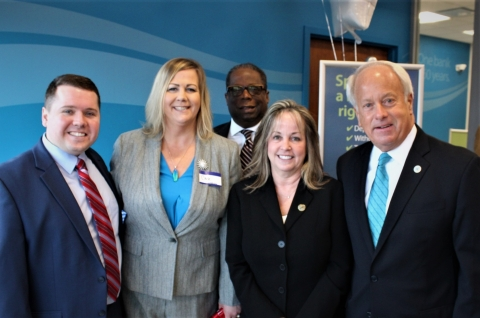 Attendees for the Dollar Bank Haygood Office ribbon cutting included (left to right) Steven Cuddy, Jr., Haygood Branch Manager, Chele Eubanks, Customer Service Specialist, Warren Harris, Director of Economic Development for the City of Virginia Beach, Susan Ralston, Senior Vice President and COO of Dollar Bank's Virginia Division, and the Honorable Mayor Sessoms. (Photo: Business Wire)