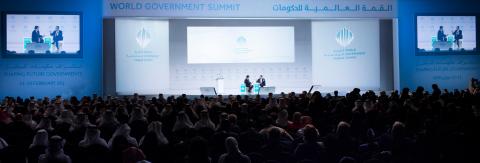世界貿易機関(WTO)事務局長のロベルト・カルバーリョ・アゼベド閣下が、ドバイで開催された第6回世界政府サミット(WGS 2018)の「ハイパーコネクテッド・ワールドにおける世界貿易の展望」と題されたセッションで発言。モデレーターはCNNの新興国市場担当エディターのジョン・デフテリオス氏。(写真:AETOSWire)