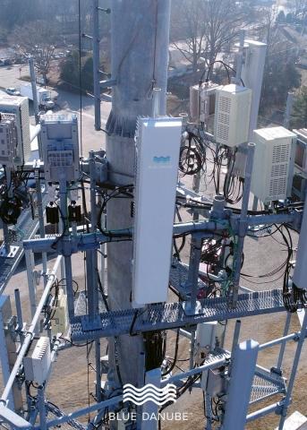 Blue Danube Systems sarà la prima azienda a dimostrare i vantaggi derivabili dai sistemi a ingressi e uscite multipli (multiple inputs, multiple outputs, MIMO) su larga scala per le reti duplex in divisione di frequenza ...