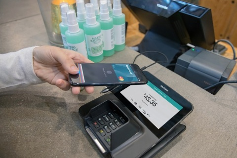 Verifone and Mastercard Drive EMV Contactless (Photo: Business Wire)