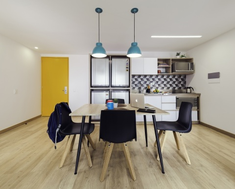 Livinn Calle 18 Kitchen (Bogotá): Kitchens in the suites at Livinn Calle 18 in Bogotá, Colombia feature high-end finishes and a contemporary design sensibility. Livinn Calle 18 was developed by CA Ventures and opened in 2017. (Photo: Business Wire)