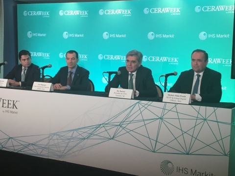 Joe Kaeser, President and CEO of Siemens AG is joined by Leonardo Moreno, Chief Risk Officer (far left), The AES Corporation; Michel-Alain Proch, SEVP and Group Division Officer, Atos (far right) and Yuri Rassega, CISO of Enel (second from left) in the signing of the Charter of Trust – a global cybersecurity initiative based on ten primary principles and calling for binding rules and standards to ensure greater digital security and integrity in both the public and private sectors. The signing took place on March 8, 2018 at CERAWeek in Houston, TX. (Photo: Business Wire)