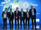 Midea RAC representatives took photo with German Federal Ministry for the Environment. (Photo: Business Wire)