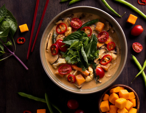 The Thai Harvest Curry lunch bowl is now available at P.F. Chang's restaurants across the U.S. (Photo: Business Wire)