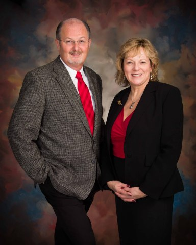 Branch Manager J.R. Williams (NMLS 457768) and Loan Originator Melody Spaulding (NMLS 112466) open new PrimeLending branch in Fayetteville, N.C. (Photo: Business Wire)