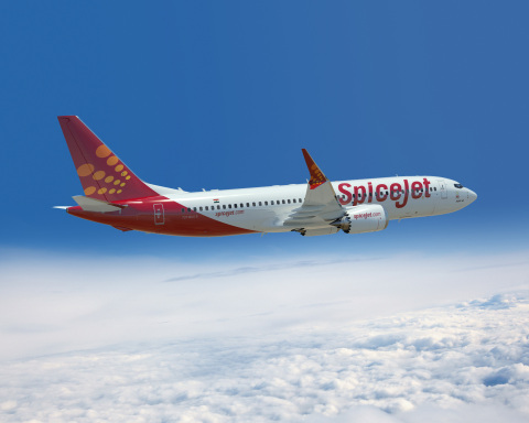 737 MAX 8 in SpiceJet livery. (Photo: Boeing)