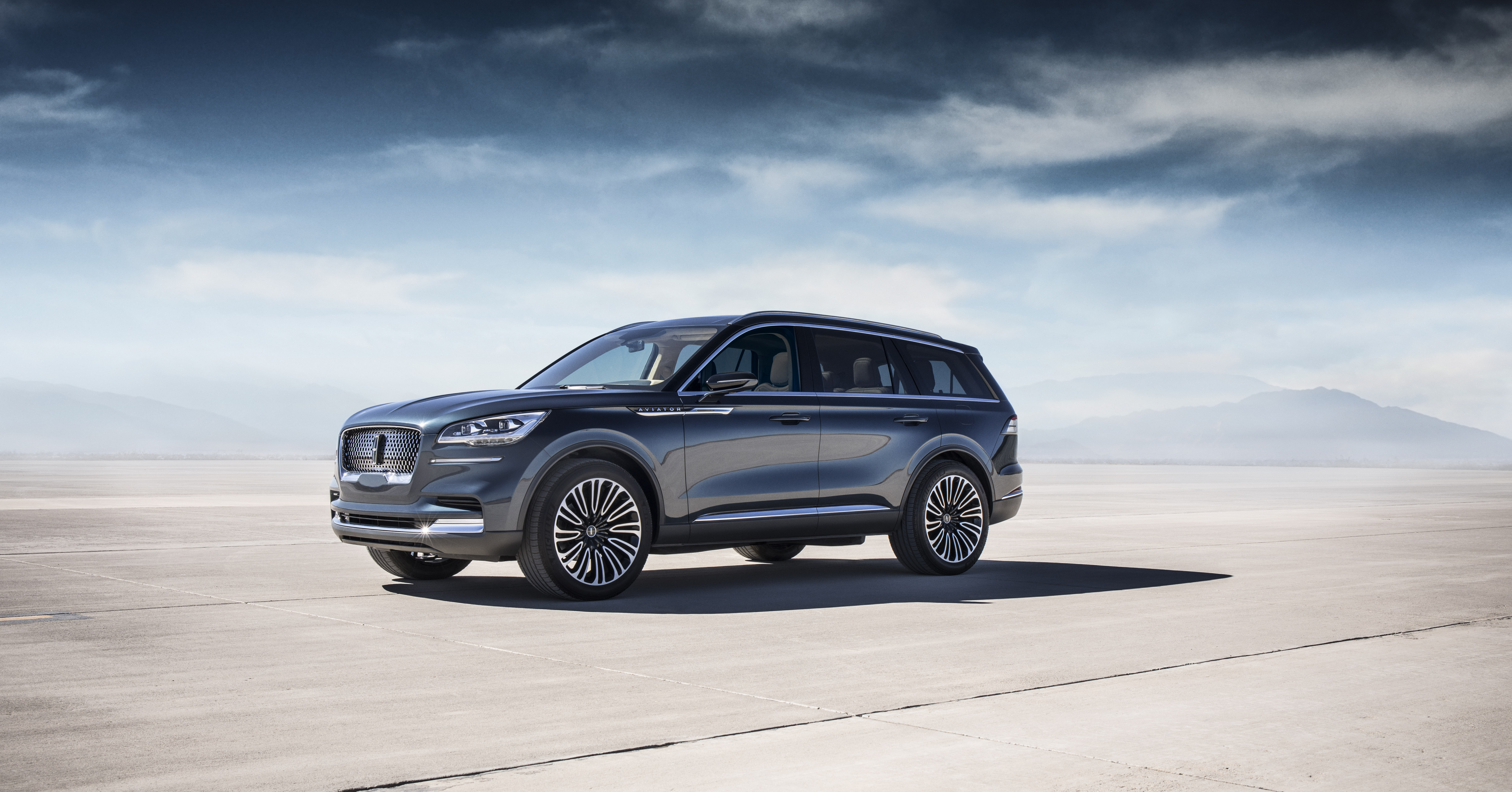 Lincoln Motor Company >> Elegant Aviator Suv Previews Lincoln S Next Act With Power