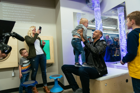 Utah Jazz center Rudy Gobert greets families at the Vivint Smart Home Arena sensory room. (Photo: Business Wire)
