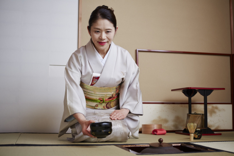 Soak in this Japanese tradition with tea ceremony experience at Keio Plaza Hotel (Photo: Business Wire)