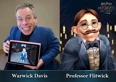 Warwick Davis在Jam City出品的《哈利波特:霍格沃茨的秘密》中为Flitwick教授配音(照片:美国商业资讯)