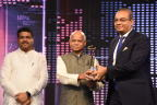 Keshav Murugesh, Group CEO, WNS, receiving the CNBC Asia's India Disruptor of the Year Award. (Photo: Business Wire)