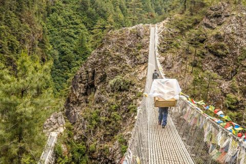 Porters carried a Carestream Vita Flex CR System 30 kilometers (18.6 miles) to Kunde Hospital-the closest medical facility to Mount Everest base camp (Photo: Business Wire)