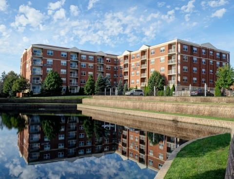 Two Itasca Place, a 70-unit class A property located in Itasca, Illinois (Photo: Business Wire)