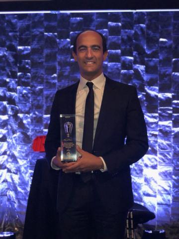 Ahmed Helmy, Director, Advanced Solution Architect International Market (EMEA-APAC), Avaya holds Gold Winning Edison Award (Photo: Business Wire)