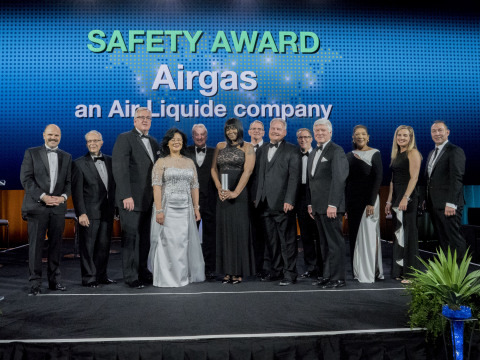 Associates from Airgas, an Air Liquide company, receive the Supplier of the Year award in the Safety category from The Boeing Company at a ceremony on April 11, 2018. (Photo: Business Wire)