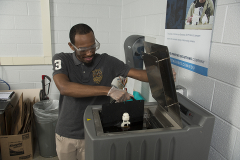 Stratasys Additive Manufacturing Certification powers active learning of post-processing during exam preparations. (Photo: Business Wire)