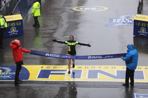 Desiree Linden Wins 2018 Boston Marathon (Photo Credit: A Runner's Eye/Justin Britton)