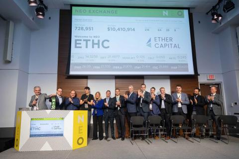Ether Capital, son chef de la direction Michael Conn et le membre du conseil d'administration John Ruffolo, se sont joints à Jos Schmitt, président et chef de la direction de NEO Bourse, pour l'ouverture de la séance et fêter le lancement d'Ether Capital sur NEO. Les actions ordinaires d'Ether Capital ont commencé à être négociées sur NEO le 19 avril 2018 sous le symbole ETHC. (Photo: Business Wire)