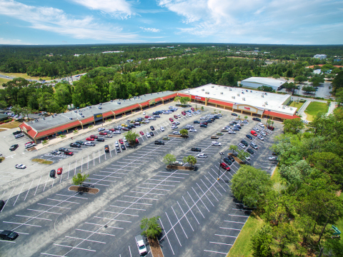 Matthews™ closes Old Kings Commons, an 84,759 square foot multi-anchor shopping center in Palm Coast, FL. (Photo: Business Wire)