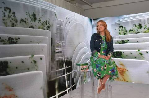 Actor Wendi McLendon-Covey shares how to break the cycle of being a helicopter cleaner and how to let go of adverse dishwashing habits with Cascade on Tuesday, April 24, 2018, in New York. (Photo by Diane Bondareff/Invision for Cascade/AP Images)