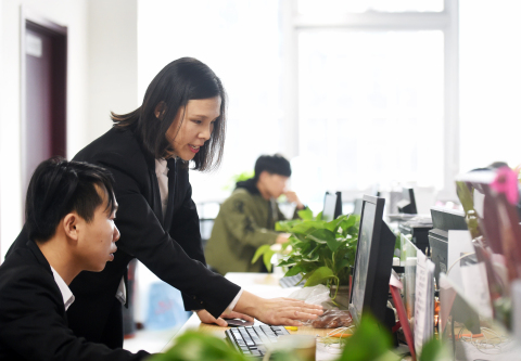 DiDi works with thousands of MSME entrepreneurs like Guo Aihua, owner of Yong'an Yida, a Beijing-based auto leasing firm. (Photo: Business Wire)