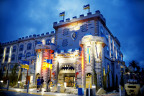Night falls on the LEGOLAND® Castle Hotel as knights, wizards and princesses sleep within the new Hotel at LEGOLAND® California Resort. (Photo: Business Wire)