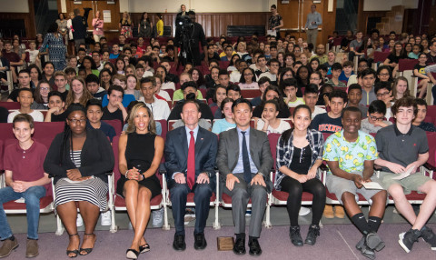 Dolan Middle School students with (centered L-R) Principal Charmaine Tourse, U.S. Senator Richard Blumenthal and Altice USA Chairman and CEO Dexter Goei (Photo: Business Wire)