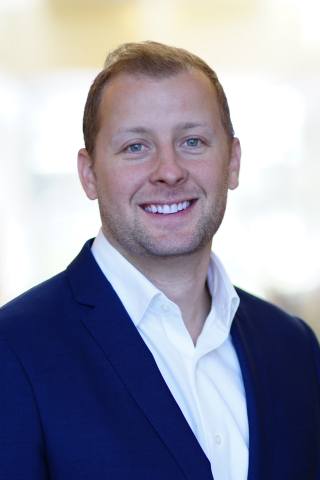 "Sean Hutchinson, vice president, Customer Experience Marketing, Retirement Plan Services, was recognized by LIMRA as a ""Rising Star of Retirement Under 40."" (Photo: Business Wire)"
