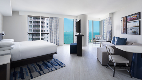 Hyatt Centric Brickell Miami King Junior Suite with Sparkling Water Views. (Photo: Business Wire)