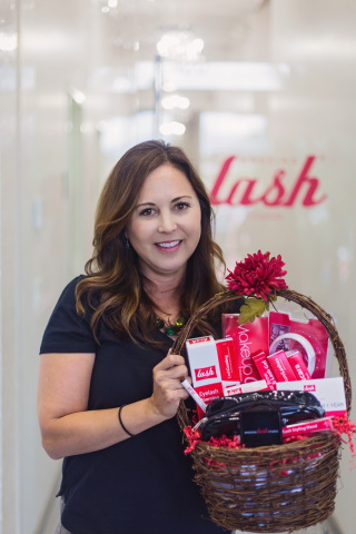Audrey Townson, 100,000th Amazing Lash Studio Member (Photo: Business Wire)