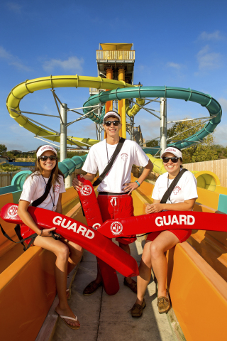 Looking for a summer job? Six Flags is hiring for all positions. We offer competitive wages, flexible work hours and free tickets for family and friends. Apply in person at one of our parks or online at sixflagsjobs.com. (Photo: Business Wire)