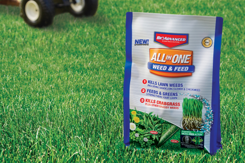 SBM Life Science Introduces BioAdvanced™ All-In-One Weed & Feed (Photo: Business Wire)