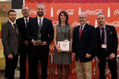 Representatives of CHEP Canada received the Supplier of the Year Award from Coca Cola Refreshments Canada, at an event on Monday, March 26, 2018. From left to right: Paul Brennan, Vice President, Supply Chain, Coca-Cola Refreshments Canada; Stephen Du Toit, Senior Vice President, Business Transformation, Coca-Cola Refreshments Canada; George Brehovsky, Director, Store Fulfillment, CHEP Canada; Paola Floris, Vice President and Country General Manager, CHEP Canada; Bill Schultz, President, Coca-Cola Refreshments Canada; Cam Erwin, Director, Franchise Leadership, Central, Coca-Cola Ltd. (Photo: Business Wire)