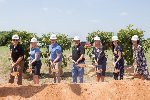 Kalahari Resorts and Conventions officially broke ground on the company's fourth property in Round Rock, Texas on May 15, 2018. Scheduled to open in 2020, the Round Rock property will mark the Kalahari's first expansion into the Southwest. The location will include nearly 1,000 guest rooms, America's Largest Indoor Waterpark, outdoor waterpark experiences, an expansive convention center, Tom Foolery's Adventure Park, world-class dining, a full-service spa and diverse shopping options. For more information on Kalahari Resorts and Conventions, visit www.KalahariResorts.com. From left: Todd Nelson, Jr., Natasha Lucke, Travis Nelson, Todd Nelson, Shari Nelson, Alissa Gander and Ashley Nelson. (Photo: Business Wire)