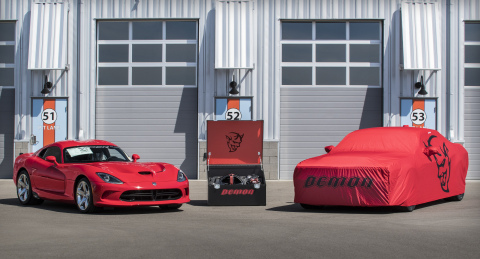 2018 Dodge Challenger SRT Demon and 2017 Dodge Viper (Photo: Business Wire)