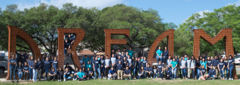 The inaugural graduating class of Arlington Collegiate High School (Photo: Business Wire)