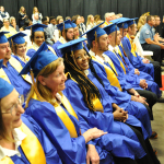 El nuevo beneficio educativo de Walmart pone toga y birrete al alcance de los asociados
