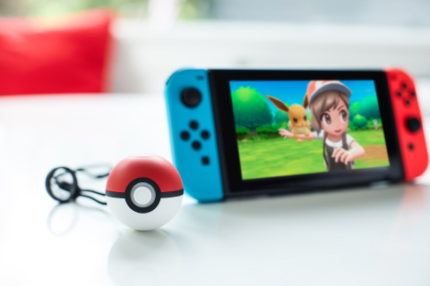 Poké Ball Plus will launch alongside Pokémon: Let's Go, Pikachu! and Pokémon: Let's Go, Eevee! on Nov. 16, 2018. (Photo: Business Wire)