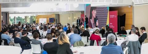 Knowledge Tour 2018 : 220 personnes réunies pour s'ouvrir à l'organisation de demain. Cet événement consacré au futur du travail et l'impact actuel et futur des évolutions technologiques, scientifiques et sociales sur la collaboration interne et le travail, a réuni des Directeurs de l'innovation, DRH, Directeurs de la communication, DSI… (Photo: Elium)
