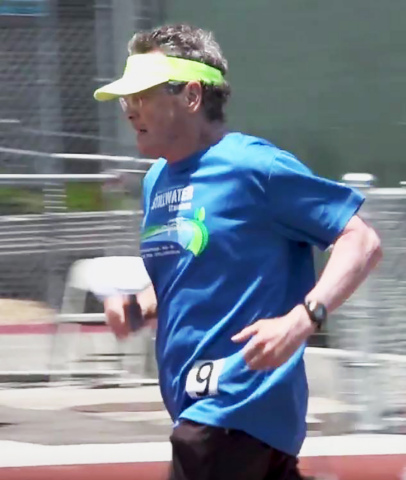 Cancer patient, 77-year old Don Wright in the 1500m race at the California Sr Games, 6/2 (Photo: Business Wire)