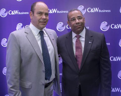 (De izquierda a derecha) Mario Marciano, Vicepresidente de C&W Business de LATAM y Teudis Quezada, Country Manager de C&W Business en Santo Domingo, República Dominicana el 7 de junio de 2018. (Photo: Business Wire)