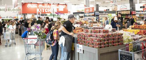 On May 30, Earth Fare invited Palm Beach Gardens shoppers to Live Longer with Earth Fare when it opened its first South Florida location. (Photo: Business Wire)