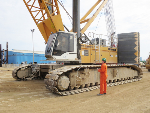 Modern Liebherr Crane (Photo: Business Wire)