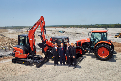 Left to Right:  Dan Jones, Kubota VP Legal, Human Resources & Administration; Governor of Kansas, Jeff Colyer; Masato Yoshikawa, Kubota President and CEO; Alex Woods, Kubota VP Sales Operations, Supply Chain & Parts. (Photo: Business Wire)