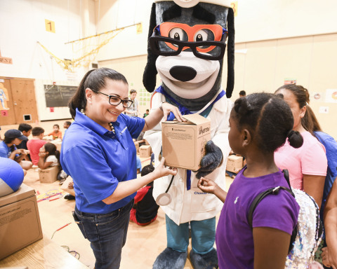 "UnitedHealthcare donated 100 NERF Energy Game Kits to Boys & Girls Clubs of the Austin Area as part of a national initiative to encourage young people to become more active through ""exergaming."" Marian Cabanillas of UnitedHealthcare distributed kits to the members earlier today. The donation is part of a recently launched national initiative between Hasbro and UnitedHealthcare, featuring Hasbro's NERF products, that encourages young people to become more active through ""exergaming"" (Photo: Kevin Vandivier)."
